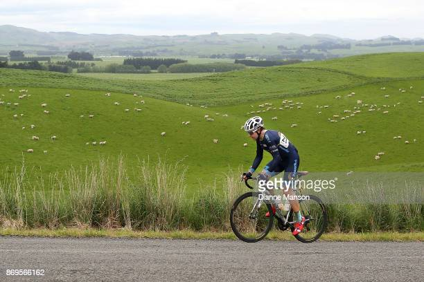 Brad Evans of Dunedin Powernet makes his way towards Waimumu during stage 5 from Invercargill to Gore of the 2017 Tour of Southland on November 3...