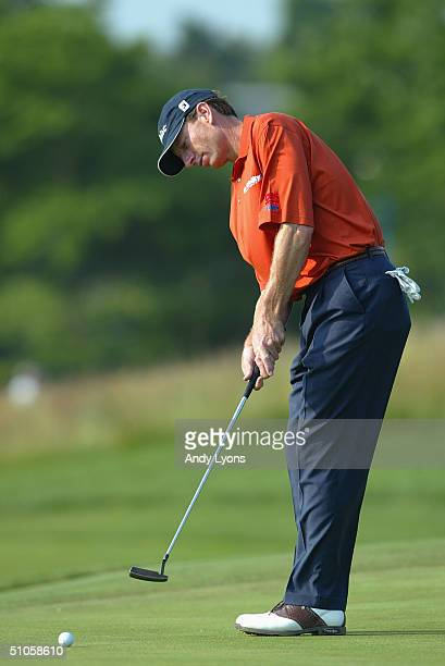 Brad Faxon putts during the third day of practice at the 104th U.S. Open at Shinnecock Hills Golf Club on June 16, 2004 in Southampton, New York.