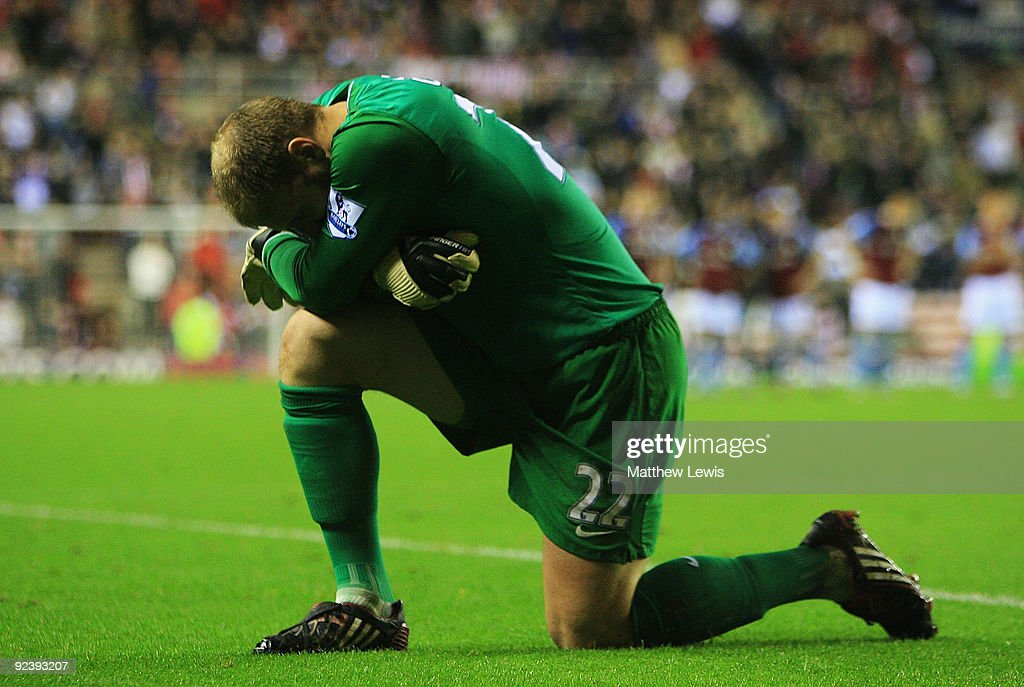 Brad Guzan of Aston Villa composes himself during the penalty shoot out during the Carling Cup 4th Round match between Sunderland and Aston Villa at the Stadium of Light on October 27, 2009 in Sunderland, England.