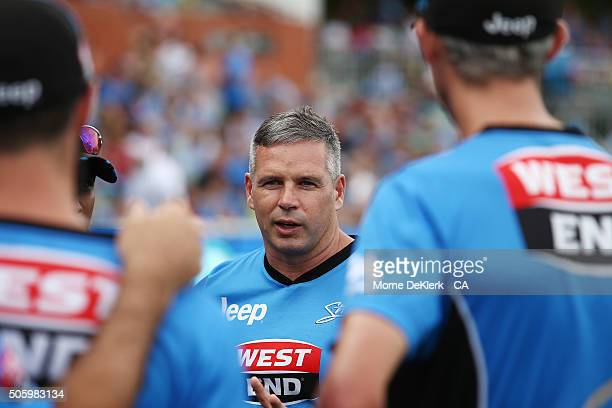 Brad Hodge of the Adelaide Strikers speaks to his team before the Big Bash League Semi Final match between the Adelaide Strikers and the Sydney...