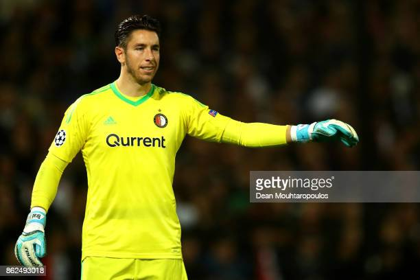Brad Jones of Feyenoord gives his team instructions during the UEFA Champions League group F match between Feyenoord and Shakhtar Donetsk at...