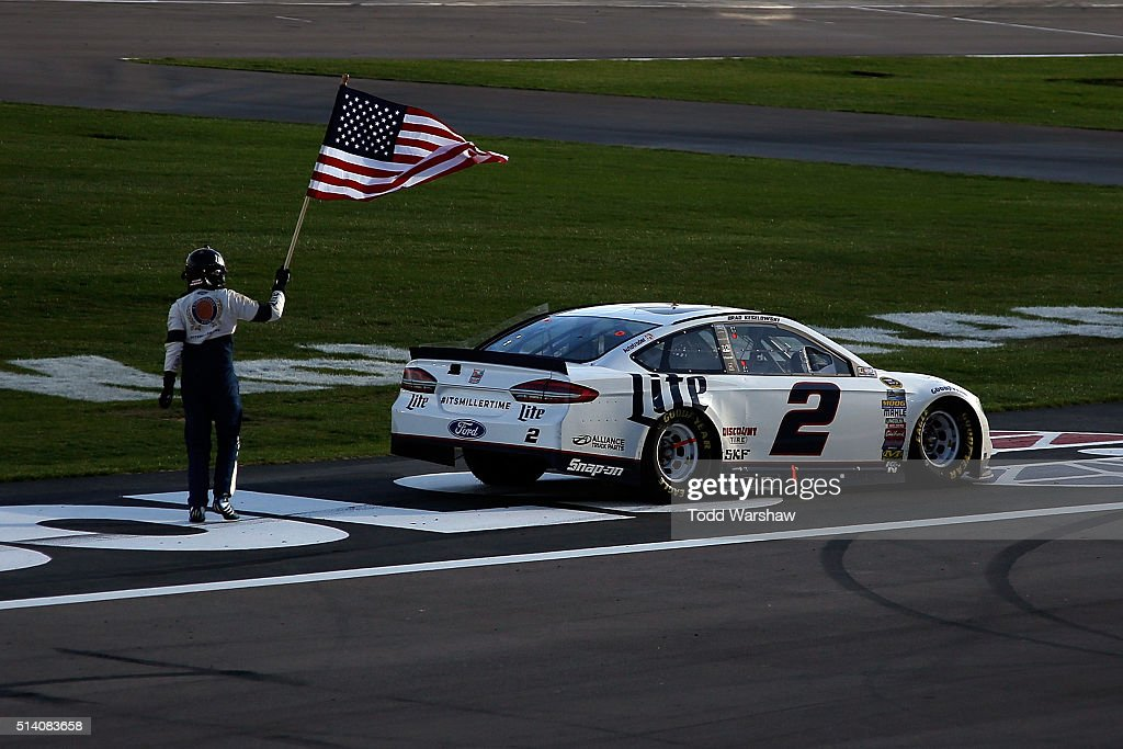 NASCAR Sprint Cup Series Kobalt 400 : News Photo