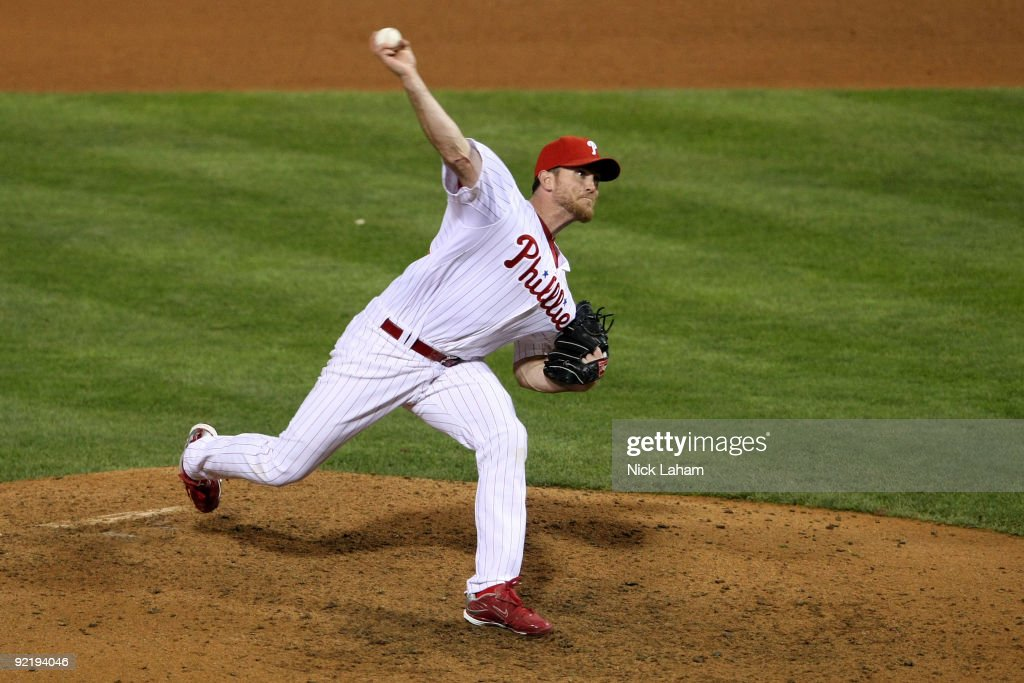 Brad Lidge #54 of the Philadelphia Phillies throws a pitch against the Los Angeles Dodgers in Game Five of the NLCS during the 2009 MLB Playoffs at Citizens Bank Park on October 21, 2009 in Philadelphia, Pennsylvania.
