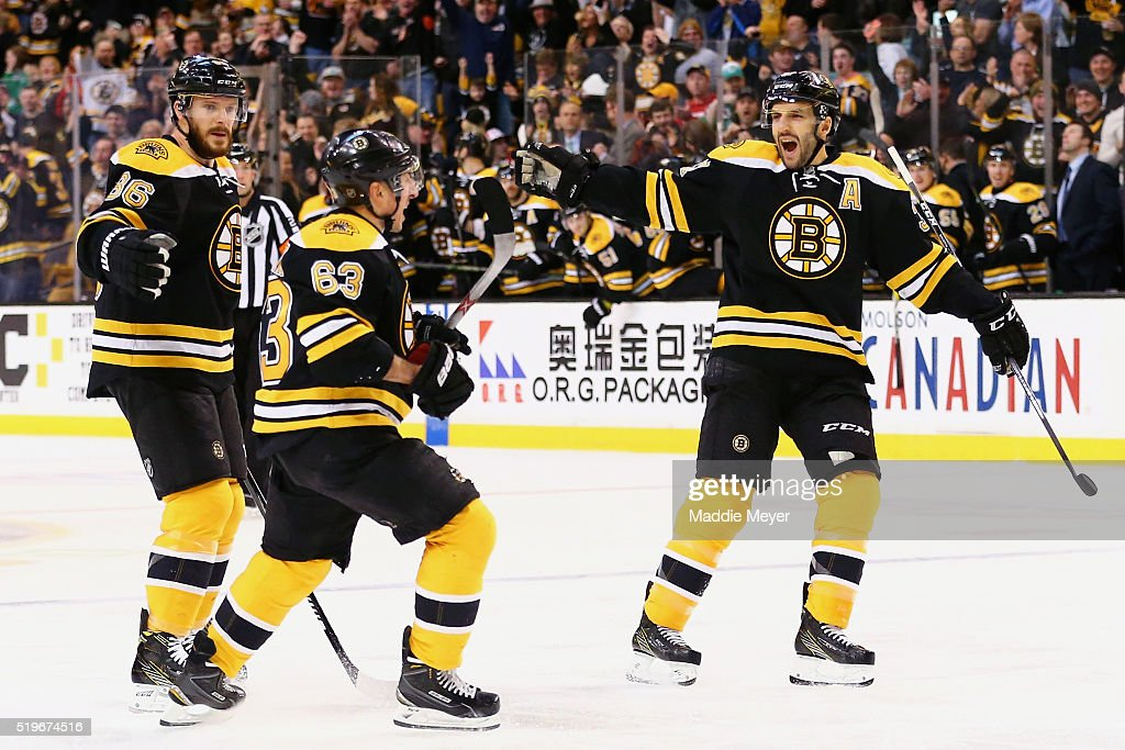 Detroit Red Wings v Boston Bruins : News Photo