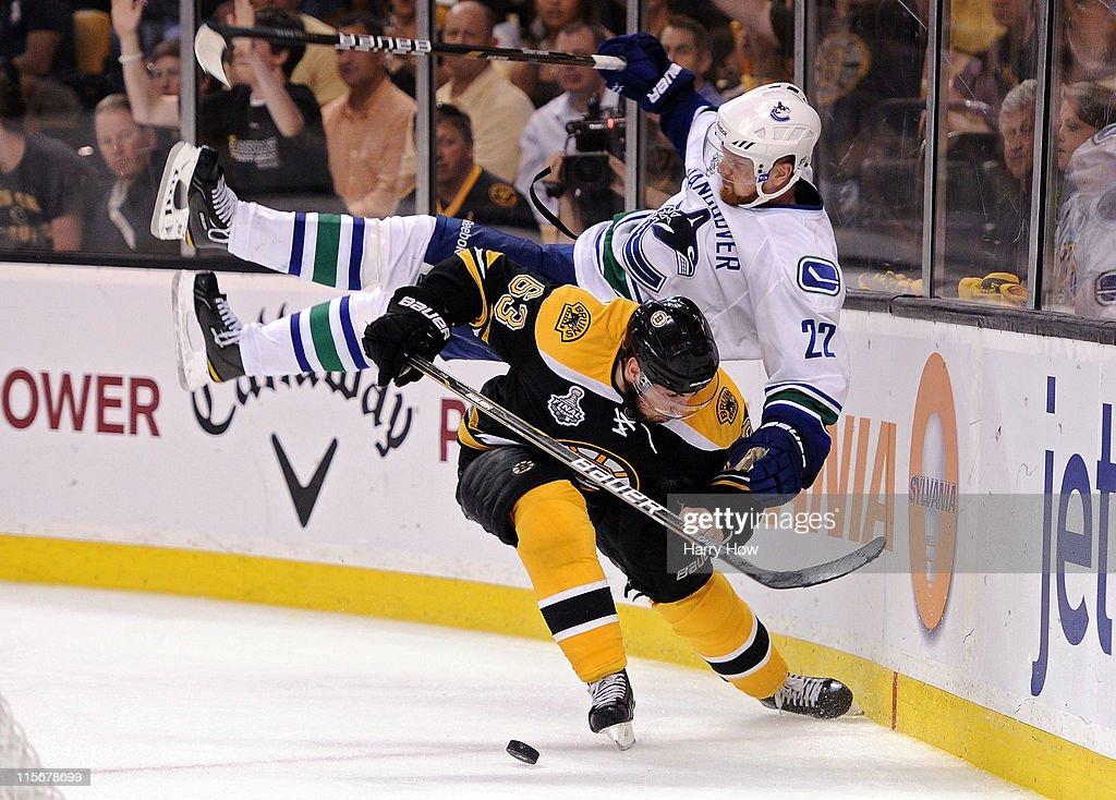 Vancouver Canucks v Boston Bruins - Game Four