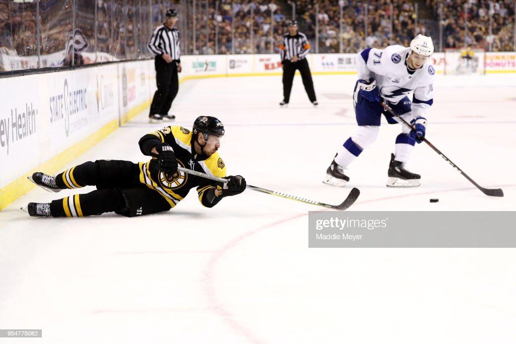 Tampa Bay Lightning v Boston Bruins - Game Four : News Photo