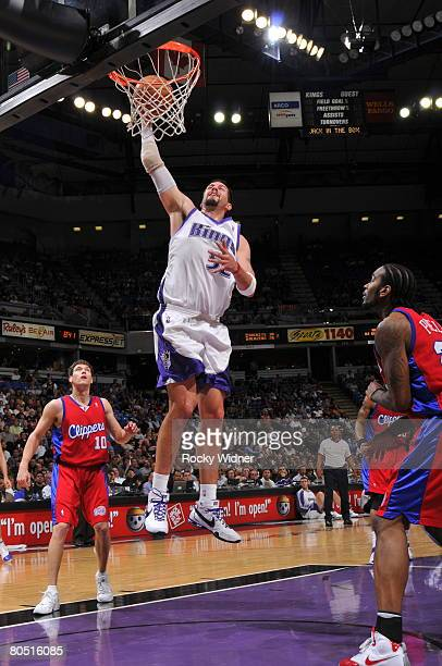 Brad Miller of the Sacramento Kings dunks the ball against the Los Angeles Clippers on April 3 2008 at ARCO Arena in Sacramento California NOTE TO...