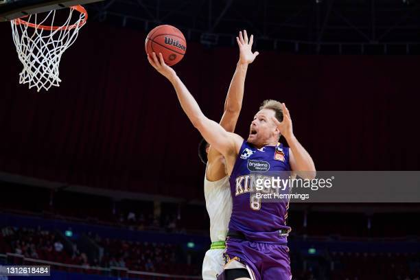 Brad Newley of the Kings drives towards the basket during the round 14 NBL match between the Sydney Kings and South East Melbourne Phoenix at Qudos...