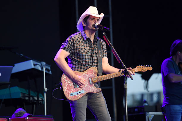 MO: Brad Paisley: Live From The Drive-In