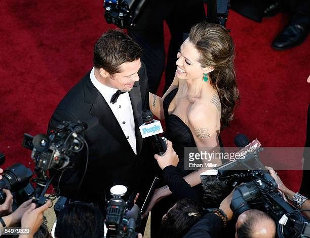 Brad Pitt and Angelina Jolie arrive at the 81st Annual Academy Awards at the Kodak Theatre February 22, 2009 in Los Angeles, California.