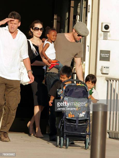 Brad Pitt and Angelina Jolie visit The Field Museum with their children on August 11 2007 in Chicago