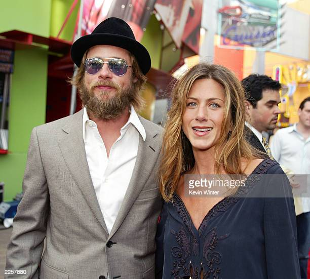 Brad Pitt and Jennifer Aniston at the premiere of The Bourne Identity at Universal CityWalk in Los Angeles Ca Thursday June 6 2002 Photo by Kevin...