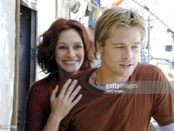 Brad Pitt And Julia Roberts Together For The First Time On Their First Day Filming Together In Dreamworks Pictures ActionComedy 'The Mexican' May 17...