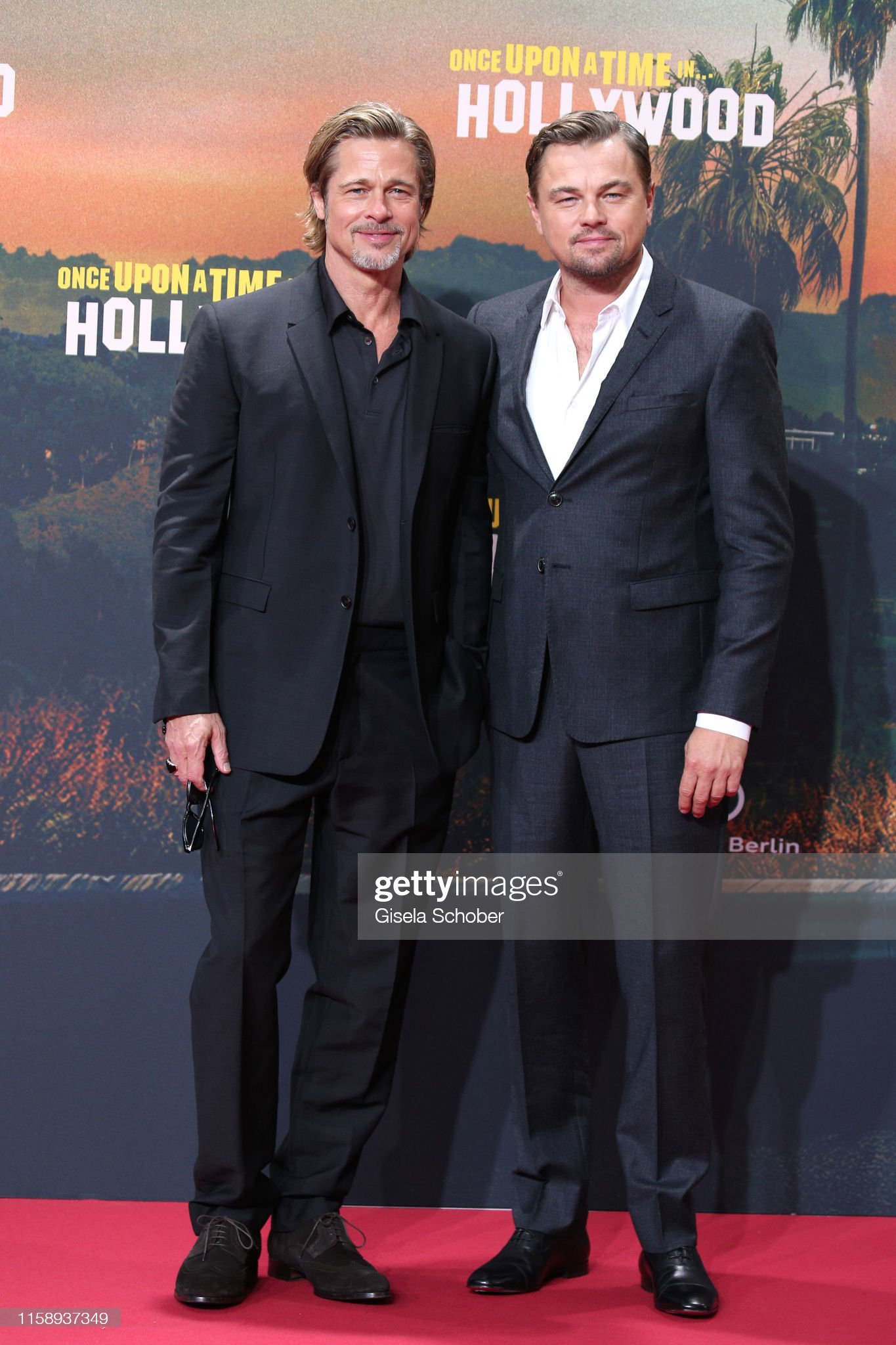 ¿Cuánto mide Brad Pitt? - Altura - Real height - Página 3 Brad-pitt-and-leonardo-dicaprio-during-the-premiere-of-once-upon-a-picture-id1158937349?s=2048x2048