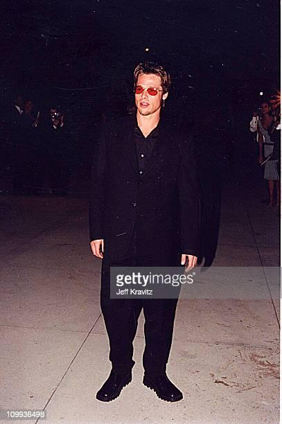 Brad Pitt at the 1998 Vanity Fair Oscar Party in Los Angeles 32a