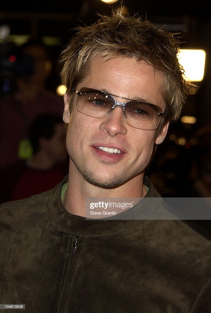 Brad Pitt During Spy Game Premiere At Mann National Theatre In News Photo Getty Images