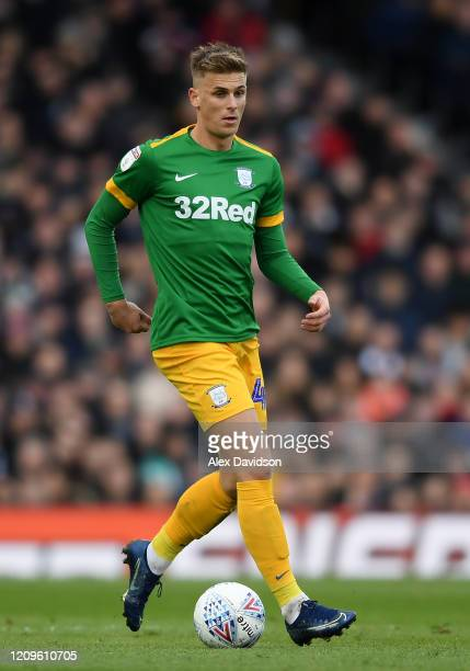 Brad Potts of Preston North End runs with the ball during the Sky Bet Championship match between Fulham and Preston North End at Craven Cottage on...