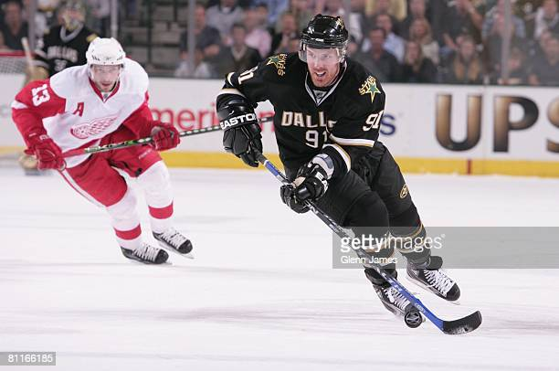 Brad Richards of the Dallas Stars skates against Pavel Datsyuk of the Detroit Red Wings during game six of the Western Conference Finals of the 2008...