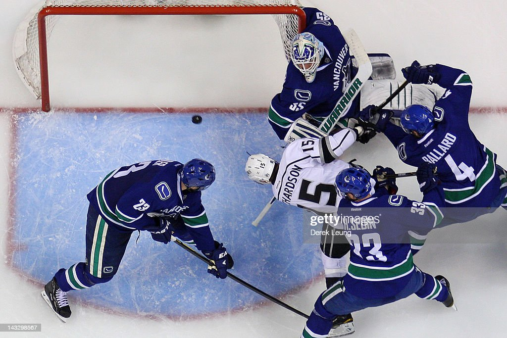 Brad Richardson #15 of the Los Angeles Kings scores on Cory Schneider #35 of the Vancouver Canucks at 3:21 of the third period in Game Five of the Western Conference Quarterfinals during the 2012 NHL Stanley Cup Playoffs at Rogers Arena on April, 22, 2012 in Vancouver, British Columbia, Canada.
