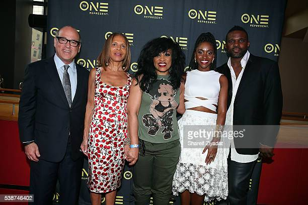 Brad Siegel Darius McCrary Syliva Rhone Teyonah Parris and Miki Howard at Love Under New Management The Miki Howard Story at AMC Empire on June 7...