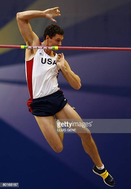 US Brad Walker takes part in the Pole Vault Men's qualifications on March 8 2008 at the IAAF World Indoor Championships in Valencia AFP PHOTO / LLUIS...