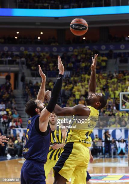 Brad Wanamaker #11 of Fenerbahce Dogus in action with Pau Ribas #5 of FC Barcelona Lassa during the 2017/2018 Turkish Airlines EuroLeague Regular...