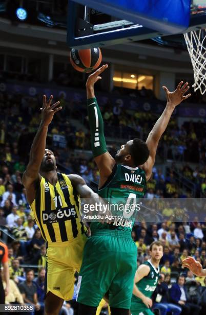 Brad Wannamaker of Fenerbahce Dogus in action against Brandon Davies of Zalgiris during the Turkish Airlines Euroleague basketball match between...