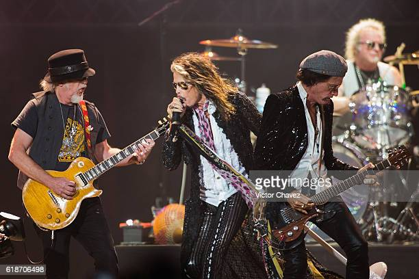 Brad Whitford singer Steven Tyler Joe Perry and Joey Kramer of Aerosmith perform onstage at Arena Ciudad de Mexico on October 27 2016 in Mexico City...