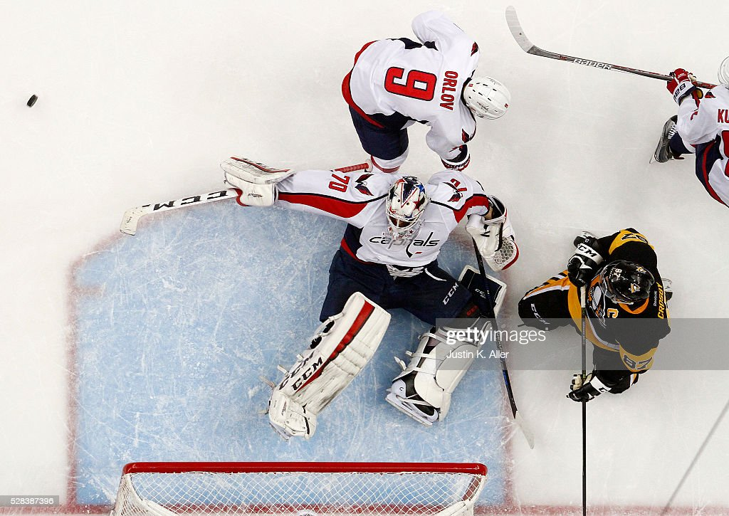 Braden Holtby #70 of the Washington Capitals defends the net against Sidney Crosby #87 of the Pittsburgh Penguins in Game Four of the Eastern Conference Second Round during the 2016 NHL Stanley Cup Playoffs at Consol Energy Center on May 4, 2016 in Pittsburgh, Pennsylvania.