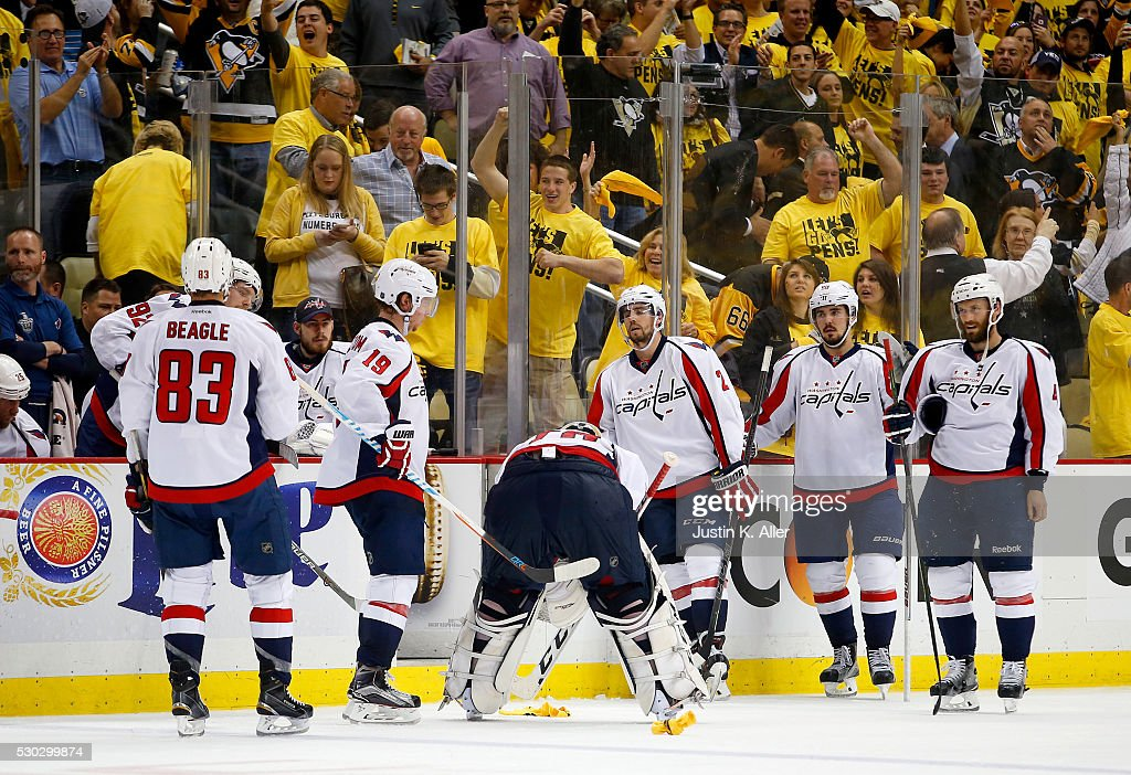 Washington Capitals v Pittsburgh Penguins - Game Six : News Photo