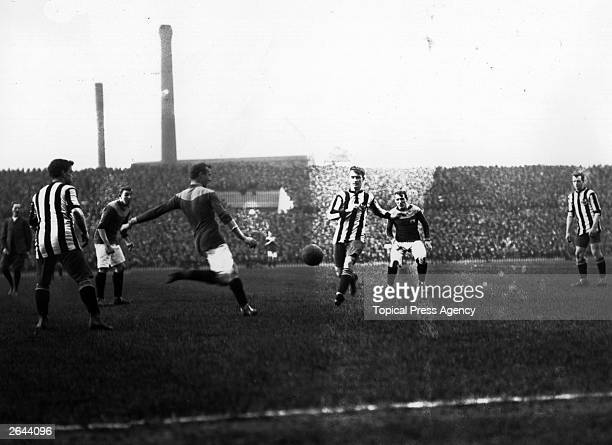 Bradford City and Newcastle United compete in the FA Cup final replay at Old Trafford Bradford City went on to win 10