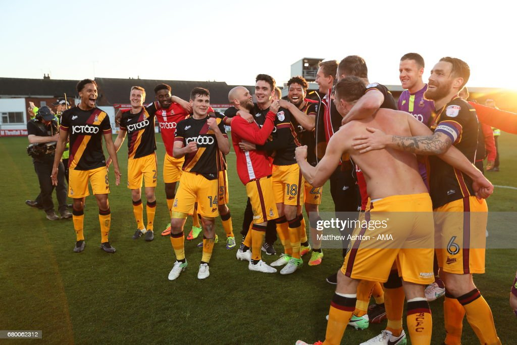 Bradford City players celebrate victory in the Sky Bet League One Playoff Semi Final: First Leg match between Fleetwood Town and Bradford City at Highbury Stadium on May 7, 2017 in Fleetwood, England.