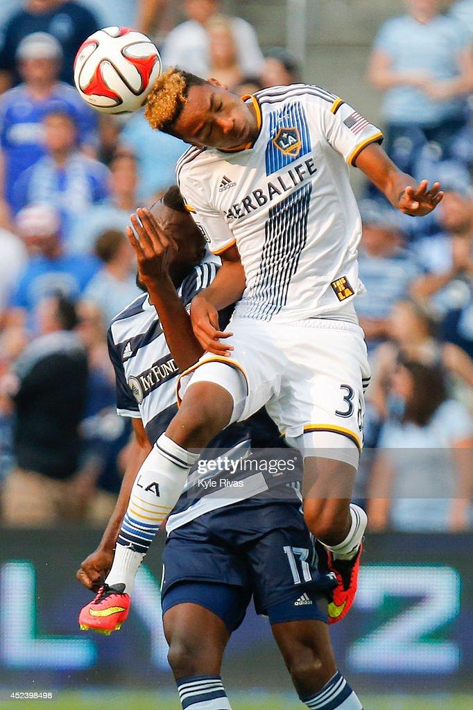 Los Angeles Galaxy v Sporting Kansas City : News Photo