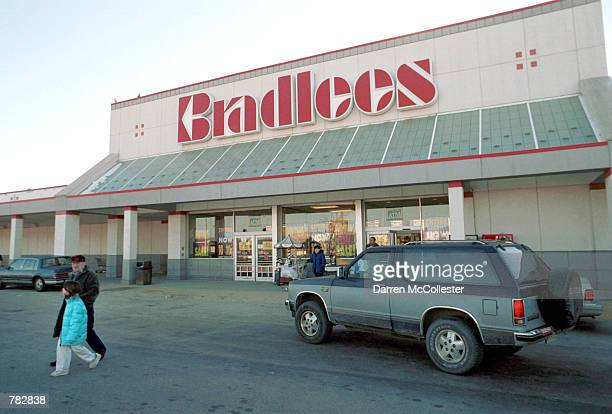 Bradlees shopper exits a store December 29 2000 in Somerville MA About 9800 Bradlees employees are poised to lose their jobs once the Braintree...