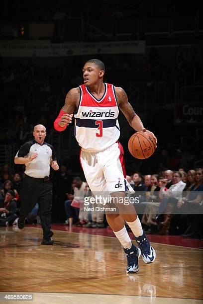Bradley Beal of the Washington Wizards drives against the Sacramento Kings at the Verizon Center on February 9 2014 in Washington DC NOTE TO USER...