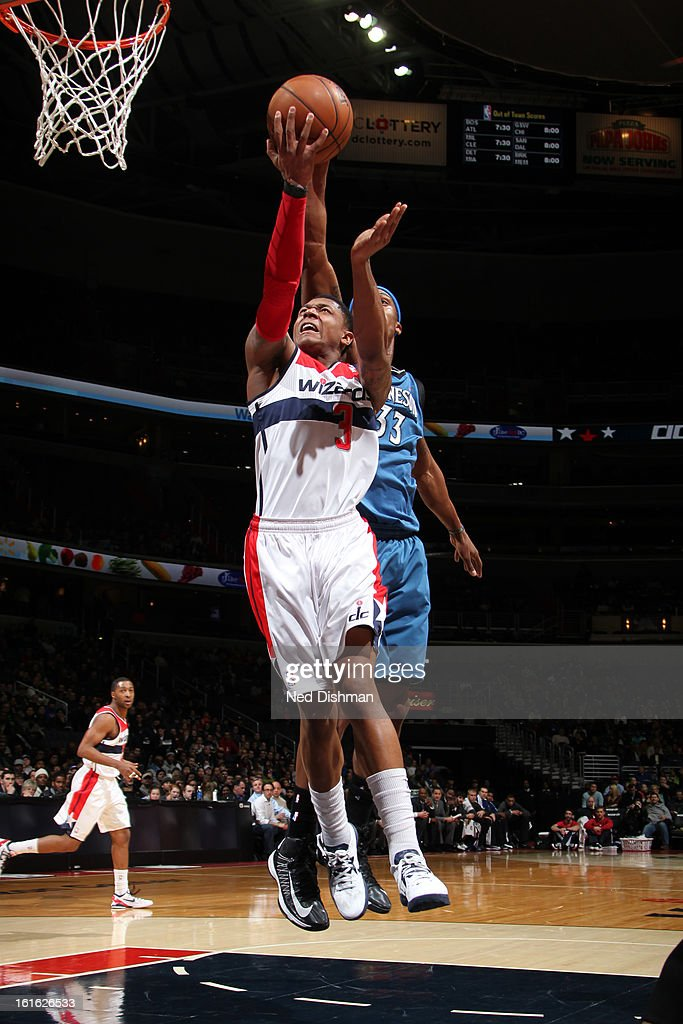 Bradley Beal #3 of the Washington Wizards drives to the basket against the Minnesota Timberwolves at the Verizon Center on January 25, 2013 in Washington, DC.
