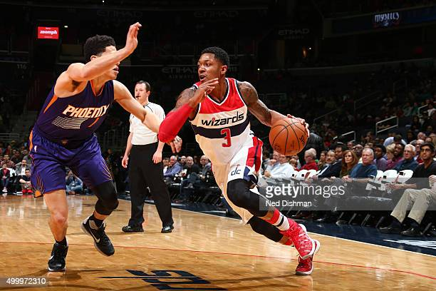 Bradley Beal of the Washington Wizards drives to the basket against the Phoenix Suns on December 4 2015 at Verizon Center in Washington DC NOTE TO...
