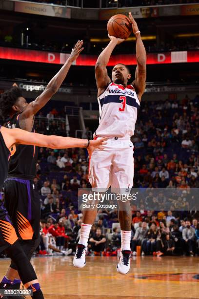 Bradley Beal of the Washington Wizards shoots the ball against the Phoenix Suns on December 7 2017 at Talking Stick Resort Arena in Phoenix Arizona...