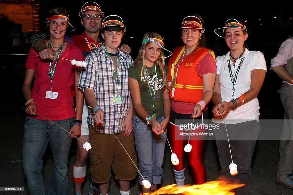 Bradley Beesley And Sarah Price With Summer Camp Kids News Photo Getty Images