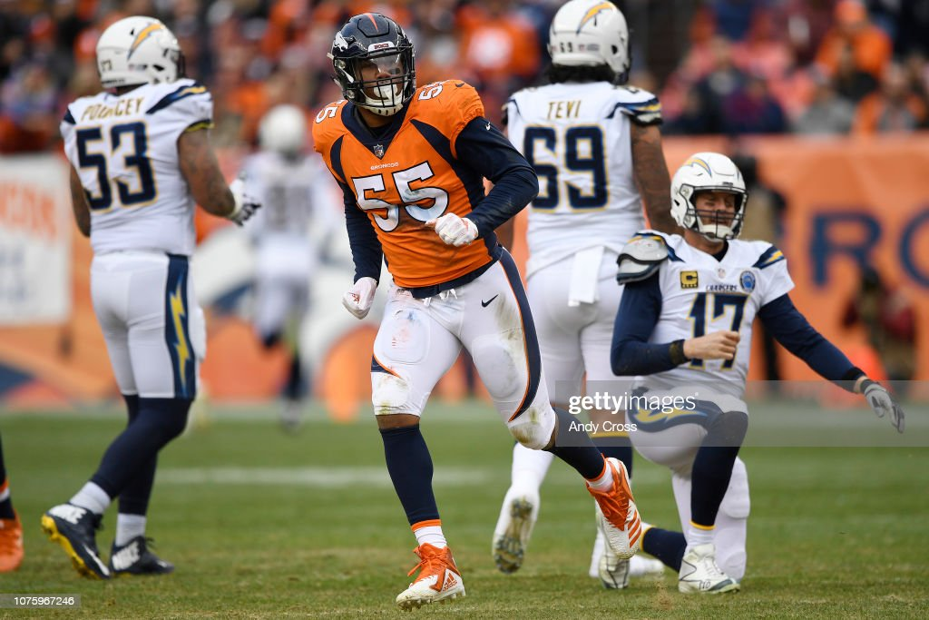 Denver Broncos vs. Los Angeles Chargers, NFL Week 16 : News Photo