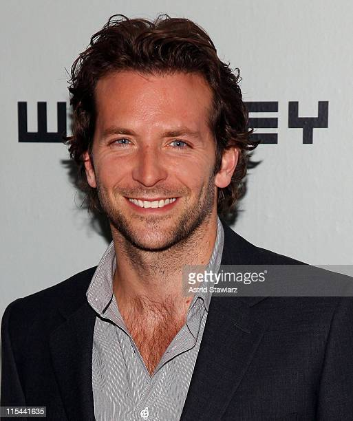 Bradley Cooper attends the 2009 Whitney Contemporaries Art Party and auction at Skylight on June 17, 2009 in New York City.