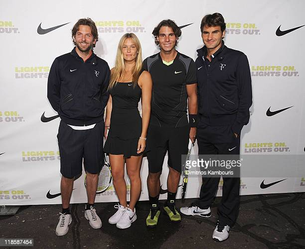 ¿Cuánto mide Bar Refaeli? - Real height Bradley-cooper-bar-refaeli-rafael-nadal-and-roger-federer-attend-the-picture-id118587454?s=612x612