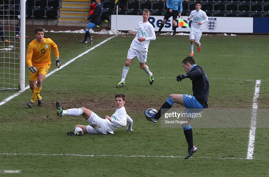 Bradley Fewster of England controls the ball during the UEFA European Under 17 Championship match between England and Slovenia at Pirelli Stadium on March 28, 2013 in Burton-upon-Trent, England.