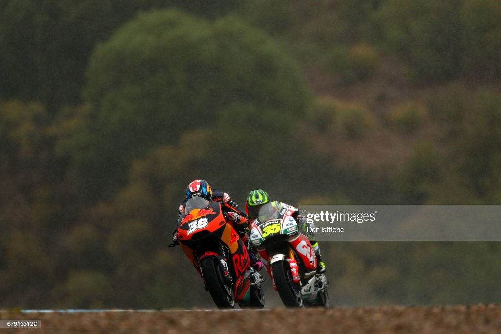 Bradley Smith of Great Britain and Red Bull KTM Factory Racing rides ahead of Cal Crutchlow of Great Britain and LCR Honda during free practice for the MotoGP of Spain at Circuito de Jerez on May 5, 2017 in Jerez de la Frontera, Spain.