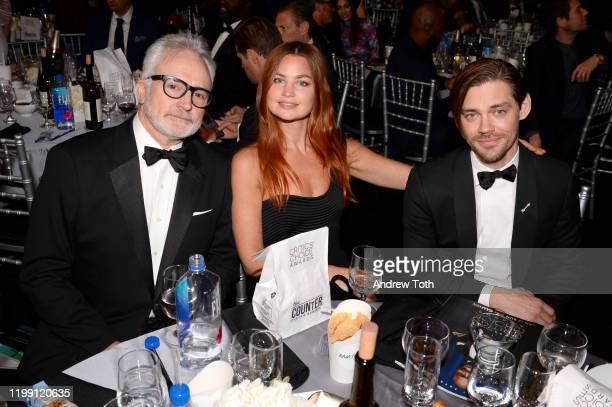 Bradley Whitford Jennifer Åkerman and Tom Payne pose with The Counter at the 25th Annual Critics' Choice Awards on January 12 2020 in Santa Monica...