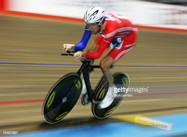 Bradley Wiggins of Great Britain in action during qualifying for Men's Indiviual Pursuit at the UCI Track Cycling World Cup Classic at the Manchester...