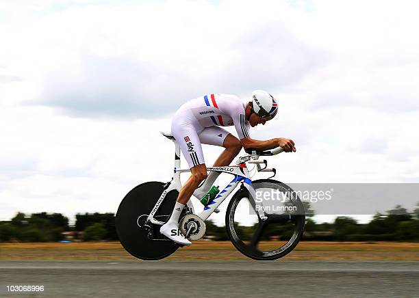 Bradley Wiggins of Great Britian and Team SKY rides on stage nineteen, a 52km individual time trial from Bordeaux to Pauillac, on July 24, 2010 in...