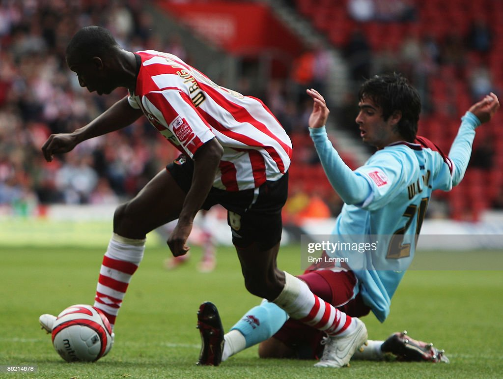 Southampton v Burnley : News Photo