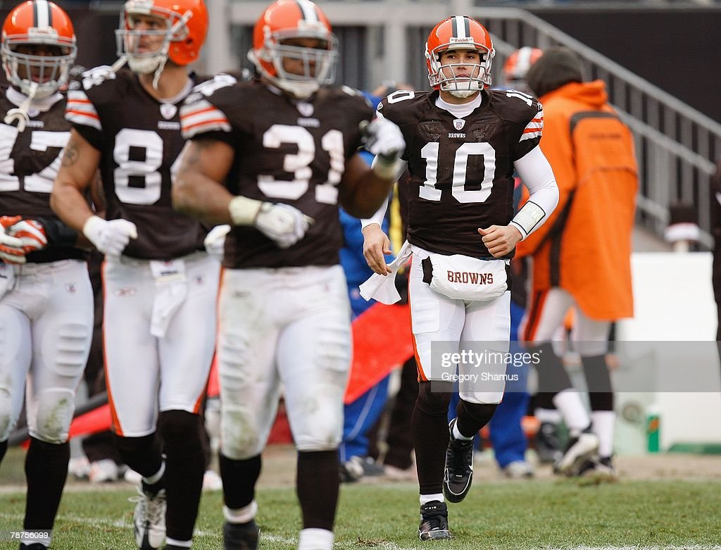 pretty nice 8aa68 5cd0f Brady Quinn of the Cleveland Browns runs onto the field ...