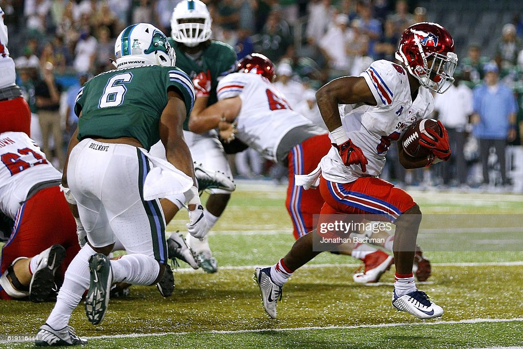Braeden West #6 of the Southern Methodist Mustangs scores the go ahead touchdown during the second half of a game against the Tulane Green Wave at Yulman Stadium on October 29, 2016 in New Orleans, Louisiana.